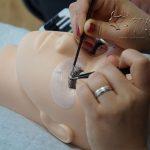 Schulung zur Wimpernstylistin